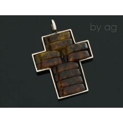 krzyż ba bursztyn koniak1