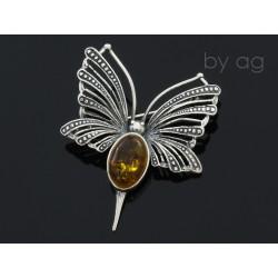 Broszka z bursztynem bałtyckim - motyl