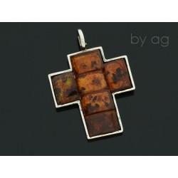 krzyż ba bursztyn koniak2